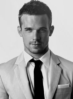 Cam Gigandet, He played in a movie I can't remember the name of! Go Cam Gigandet! Hot Men, Sexy Men, Hot Guys, Pretty People, Beautiful People, Beautiful Boys, Mens Hair Trends, Cam Gigandet, Hommes Sexy