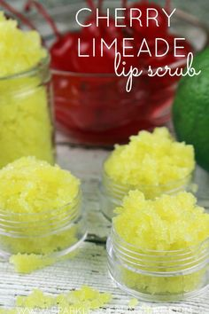 Limeade Lip Scrub Here's an easy way to get rid of chapped, dry lips. Make your own lip scrub!Here's an easy way to get rid of chapped, dry lips. Make your own lip scrub! Sugar Scrub Recipe, Sugar Scrub Diy, Lip Scrubs, Salt Scrubs, Sugar Scrubs, Body Scrubs, The Body Shop, Lip Scrub Homemade, Homemade Soaps