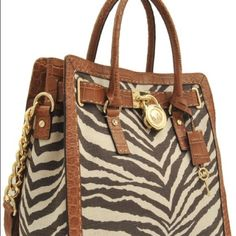 Michael Kors Hamilton Tote Very good condition. Only carried a couple of times. Do not have dust bag. Michael Kors Bags
