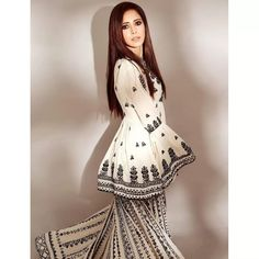 White georgette chain stich work sharara suit Hot Actresses, Indian Actresses, Plazzo Suits, White Embroidery, Girl Photography Poses, Bollywood Actress, Gorgeous Women, Short Sleeve Dresses