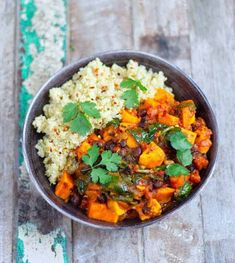 Sweet Potato & Black Bean Stew - Healthy Living James Gluten Free & Vegan and £1 a portion! Bean Recipes, Veggie Recipes, Vegetarian Recipes, Healthy Recipes, Healthy Food, Cooking Recipes, Veggie Meals, Veggie Food, Healthy Meals