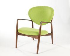 Ib Kofod-Larsen Medallion Chair