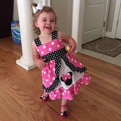 jrbp413 ha añadido una foto de su compra Little Girl Dresses, Girls Dresses, Summer Dresses, Red Peekaboo, Minnie Mouse, Long Tee, Jumper Dress, Baby Girl Fashion, Baby Sewing