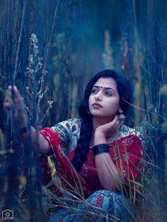 Indian beauty with beautiful saree Dehati Girl Photo, Girl Photo Poses, Girl Poses, Beautiful Girl Photo, Beautiful Girl Indian, Most Beautiful Indian Actress, Beautiful Saree, Indian Photography, Girl Photography Poses