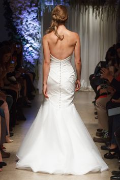 """Nena"" wedding gown by Matthew Christopher. #marriedinmatthew  Photo: Shawn Punch Fashion Photography"