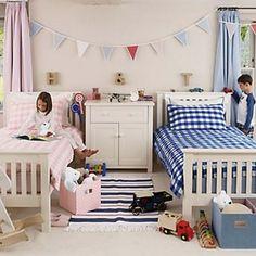 Quando o assunto é decoração, é possível unir a princesa e o super herói em um mesmo quarto, sem deixá-lo sobrecarregado e criando um cantinho todo especial!