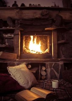 When it's cold outside, it's best to cosy up next to a warm fire in some comfy sleepwear.Desperate in owning a fireplace at home . Cabins In The Woods, Back To Nature, Listening To Music, Belle Photo, Warm And Cozy, Cozy Winter, Winter Cabin, Winter Coffee, Autumn Cozy
