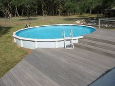 Round Above GroundPool with Composite Decking