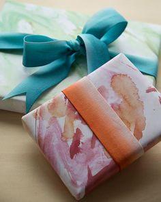 DIY Watercolor Giftwrap