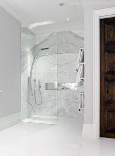 L'utilisation des panneaux de marbres blancs en touches déco