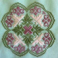 Resultado de imagen para satin stitch designs on hardanger