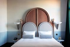 Il Palazzo Experimental Venice Hotel by Dorothée Meilichzon | Yellowtrace