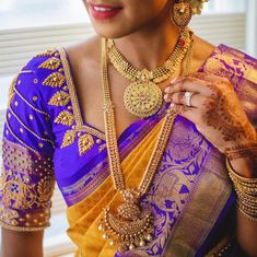 Check out these stunning bridal gold necklace designs for your wedding day. Bridal jewellery ideas and inspiration only at ShaadiWish. Bridal Bangles, Wedding Jewelry, South Indian Bridal Jewellery, Gold Necklace Simple, Layered Jewelry, South Indian Bride, Jewelry For Her, Temple Jewellery, Bridal Outfits