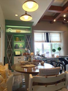 Dining room / Comedor de diario