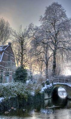 Alkmaar, Netherlands (by klaash63)