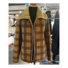 Novità  Giubbotto in ecopelliccia da CeVale  #ecopellia #tartancoat . . . #cevale #ecopelliccia #madeinitaly #tartanstyle Tartan, Plaid, Inspirational, Shirts, Tops, Women, Style, Fashion, Gingham