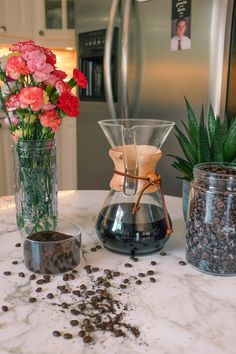 This 5 pint, 10 cup coffee maker by Chemex is plastic-free and the coffee it makes tastes wonderful. They are made of non-porous, heat-resistant​ borosilicate glass and feature a handy handle. Visually elegant and makes uniquely delicious coffee. #mylifewithoutplastic