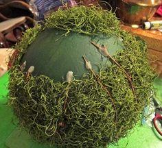 Balls and Topiaries (Size Does Matter!) Moss Balls and Topiaries (Size Does Matter! Topiary Decor, Outdoor Topiary, Boxwood Topiary, Topiary Trees, Indoor Garden, Garden Art, Garden Design, Landscape Design, Topiary Centerpieces