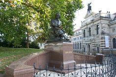Neuschöpfung der Bronzefigur Ludwig Richter. Brühlsche Terasse Dresden, eingeweiht am 28. September 2013. Foto: © FAM