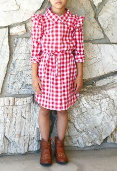 How cute! Turn a women's oversized shirt into a girls dress!