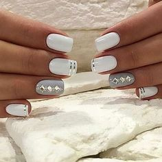 Pretty Nail Art , Super Stylish Styles - Reny styles Pretty Nail Art Pretty Nail Art Trends nail art is a acclaimed and absolutely accepted appearance trend this year . Every woman like to accomplish her nails Gray Nails, Silver Nails, White Nails, White Polish, Fabulous Nails, Gorgeous Nails, Nagel Hacks, Nagellack Design, Fall Nail Art Designs