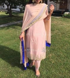 Contrasting blue given on the edges of the dupatta. Latest design in plazzo suit Indian Suits, Indian Attire, Indian Dresses, Indian Wear, Indian Style, Punjabi Fashion, Ethnic Fashion, Indian Fashion, Embroidery Suits Punjabi