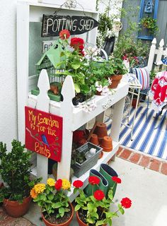 30 Most Creative And Organized Garden Ideas For Small Spaces 30 Most Creative And Organized Garden Ideas For Small Spaces & Home Design And Interior The post 30 Most Creative And Organized Garden Ideas For Small Spaces appeared first on Barbara Ritchie. Love Garden, Garden Art, Garden Design, House Design, Garden Ideas, Garden Projects, Farm Gardens, Outdoor Gardens, Planter Table