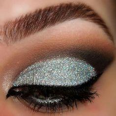 Silver, brown, black eye shadow. ((CUTCREASE))