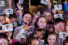 Монатік зустрічається з дітьми   Lucky Ukraine   № 1 блог-журнал Украины об интересных людях и интересных событиях