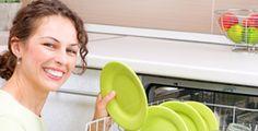Comment fabriquer son produit pour lave-vaisselle ? Découvrez cette recette pour fabriquer son produit lave-vaisselle maison. C'est naturel, économique et écologique, alors qu'attendez-vous pour tester cette astuce de grand-mère ?