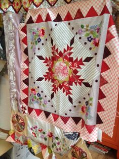 IMG_3511 Quilts, Blanket, Bed, Robin, Home, Scrappy Quilts, Embroidery, Bricolage, Stream Bed