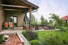 Záhrada so žabkou, Klínec   Mojinterier.sk Modern Garden Design, Patio, Outdoor Decor, Home Decor, Future, Atelier, Raised Patio, Decoration Home, Future Tense