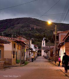 El pueblo de Samaipata al final del día