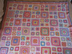 Beautiful Summer Garden from @lucy at attic24. I love everything about this afghan.