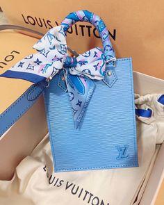 Aesthetic Bags, Aesthetic Vintage, Luxury Purses, Luxury Bags, Casual Day Dresses, Popular Handbags, Blue Bags, Purses And Handbags, Bag Accessories