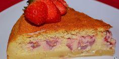 Tarta mágica de vainilla y fresas.