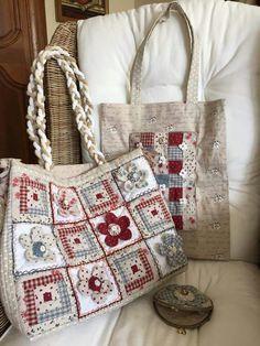 Bolsas 9 Patchwork Bags, Quilted Bag, Food Pillows, Unique Purses, Fabric Bags, Cotton Bag, Handmade Bags, Bag Making, Purses And Handbags