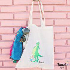 ¡Hora de comeeeeer!   Ojo, y hace solecito ☀ sería un buen plan coger tus bártulos y salir por ahí a comer. En esta bolsa te cabe todo lo necesario.    Bolsa disponible en web Trogli.es     #trogli #regalos #regalo #moda #estilo #compras #arte #dibujo #artstudio #style #gift #gifts #belleza #fashionblogger #styleblogger #madrid #barcelona #sevilla #malaga #valencia #bag #totebag #sunglasses #comida #dinosaur