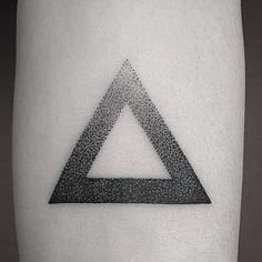 #Tattoo #triangle #geometrictattoo