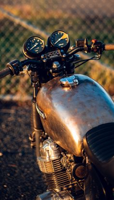 Thinking of warmer times on the Honda CB750. Cb750 Cafe Racer, Honda Cb750, Cafe Racer Motorcycle, Motorcycles, Bike, Autumnal, Vehicles, Wheels, God