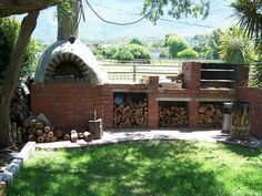 Braai / BBQ facilities and outdoor pizza oven - Crazy Horse Retreat - James Allen - Kitchen Bars Outdoor Kitchen Bars, Outdoor Oven, Outdoor Cooking, Outdoor Entertaining, Outdoor Kitchens, Outdoor Spaces, Atlantis, Built In Braai, Four A Pizza