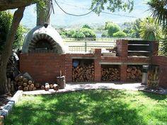 Braai / BBQ facilities and outdoor pizza oven - Crazy Horse Retreat