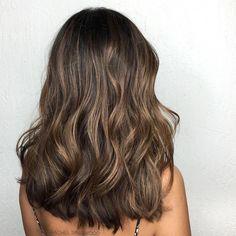 Brown Hair Balayage, Hair Color Balayage, Hair Highlights, Brown Ombre Hair Medium, Medium Hair Styles, Long Hair Styles, Light Brown Hair, Aesthetic Hair, Brunette Hair