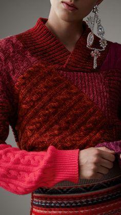 Свитер из шерсти и кашемира в стиле «пэчворк» (Красная Ягода) - Для женщин | Burberry