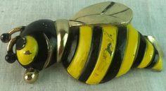 Bee can opener black & yellow stripe gold tone bottle opener decorative kitchen