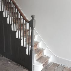 Discount Carpet Runners For Stairs Wall Carpet, Diy Carpet, Carpet Stairs, Modern Carpet, Carpet Ideas, Carpet Trends, House Stairs, Painted Staircases, Painted Stairs