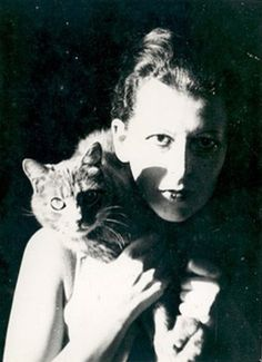 Claude Cahun, Self-Portrait with cat