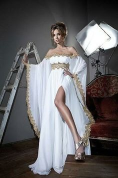 Arabic Style Long Sleeves Gold Lace and White Appliques Chiffon Abaya Kaftan Evening Prom Dresses With High Slit