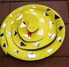 Paperplate snake