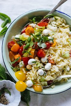 orzo picnic salad | theclevercarrot.com